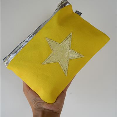 תיק איפור כוכב - צהוב בננה