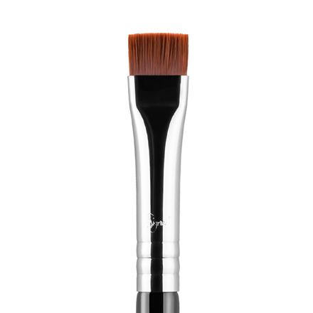 E15 - Flat Definer Brush