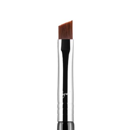 E65 - Small Angle Brush